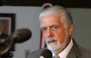 WAGNER FAZ DISCURSO DE APOIO A LULA NA ASSEMBLEIA DA BAHIA
