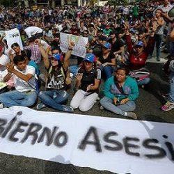 76% DOS VENEZUELANOS QUEREM SAÍDA DO DITADOR NICOLÁS MADURO, DIZ PESQUISA