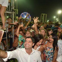 NETO CURTE PARTE DO FESTIVAL VIRADA NO MEIO DO POVO