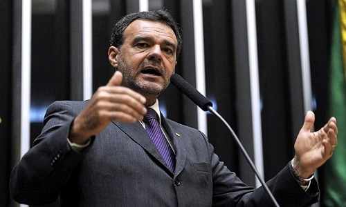 DANIEL ALMEIDA CRITICA CRESCIMENTO DE INTOLERÂNCIA RELIGIOSA