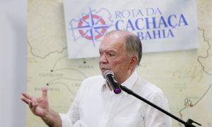 LEÃO PROPÕE PRIMEIRA ASSOCIAÇÃO DOS PRODUTORES DE CACHAÇA