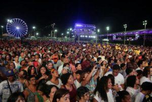 NETO ESTUDA REAGENDAR SHOWS CANCELADOS DO FESTIVAL