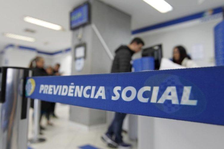 GOVERNO FAZ REAJUSTE DE 4,48% EM APOSENTADORIA