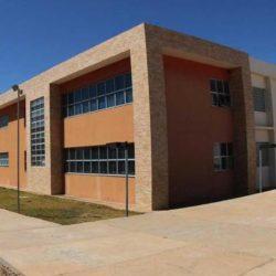UFOB CONTRATA 11 PROFESSORES; REMUNERAÇÃO CHEGA A R$ 6,2 MIL