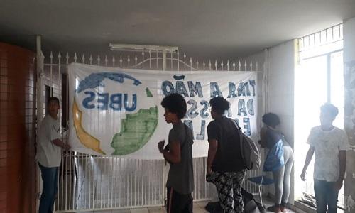 ODORICO TAVARES: SECRETARIA DIZ QUE VAI MANTER CRONOGRAMA DE MATRÍCULAS MESMO COM OCUPAÇÃO