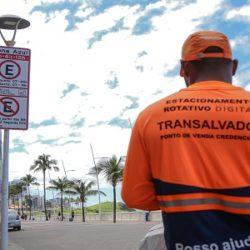 ZONA AZUL NA BARRA E RIO VERMELHO PODEM SER PAGAS COM CARTÃO