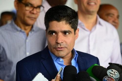 """NETO DEFENDE ARRASTÃO NA QUARTA DE CINZAS: """"QUEM VAI IMPEDIR?"""""""