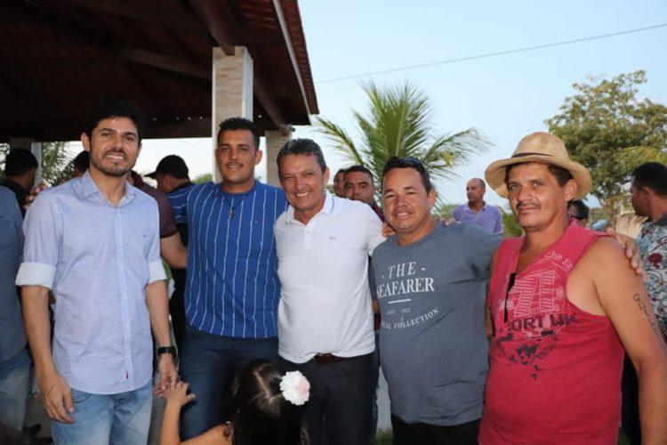 CHARLES FERNANDES APOIA GLAUBER À PREFEITURA DE BOTUPORÃ