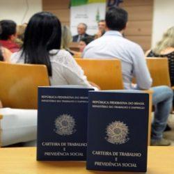 CORONAVÍRUS: PROFISSIONAIS DEMITIDOS DURANTE PANDEMIA PODERÃO SER RECONTRATADOS ANTES DO PRAZO DE 90 DIAS