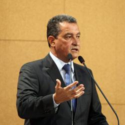 """""""Ele me convidou. Vamos ver a agenda. Não sei o local ainda, se possível, sim [irei]. Amanhã estaremos juntos"""" ________________________________ Rui Costa Governador da Bahia"""