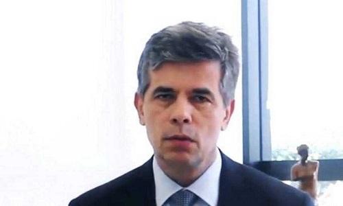 """MINISTRO DA SAÚDE FALA EM """"CHANCE REAL"""" DE 2ª ONDA DE COVID"""