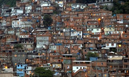 MORTES POR COVID-19 DOBRAM EM 15 DIAS NAS FAVELAS DO RIO