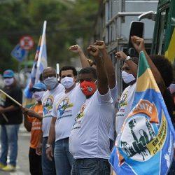 PETROLEIROS FAZEM VIGÍLIA EM DEFESA DA PETROBRÁS NA BAHIA