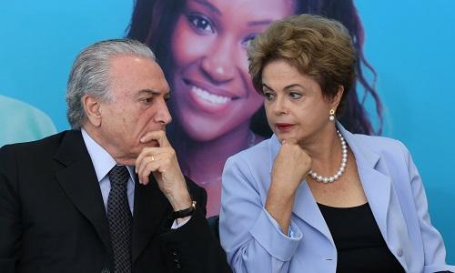 """""""PERDEU A MÃO, MAS NÃO É CORRUPTA"""", DIZ TEMER SOBRE DILMA"""