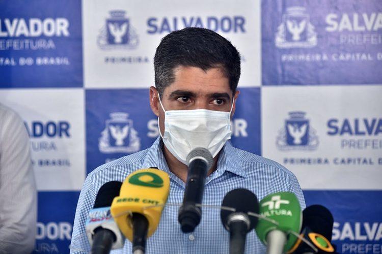NETO LUTA PARA AULAS VOLTAREM AINDA EM 2020, MAS NÃO GARANTE DATA