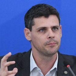 SECRETÁRIO DO TESOURO PEDE CLÁUSULA DE CALAMIDADE NO PACTO FEDERATIVO
