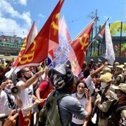 MANIFESTAÇÃO EM SALVADOR EM FRENTE A REDE ATAKADÃO PROTESTA CONTRA A MORTE DE JOÃO ALBERTO